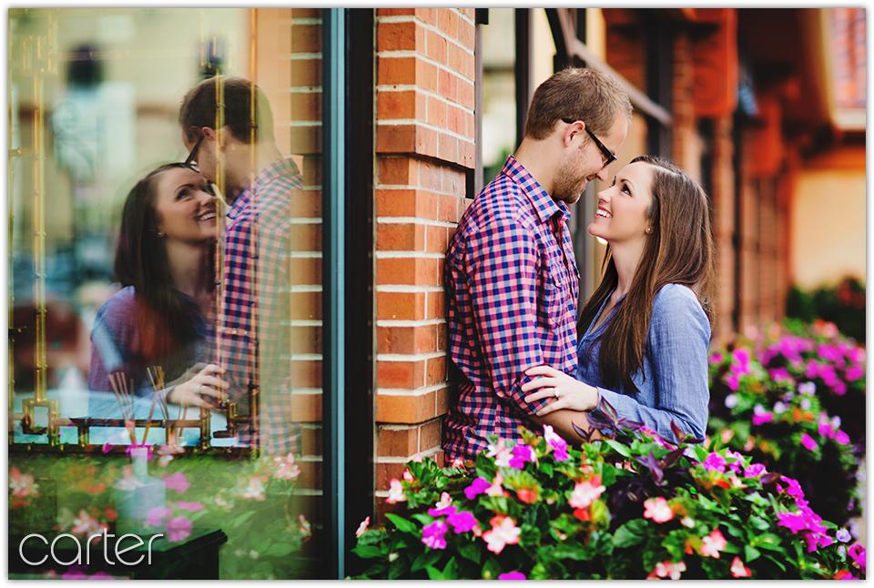 Kansas City Engagement Pictures - Carter Photography - Plaza