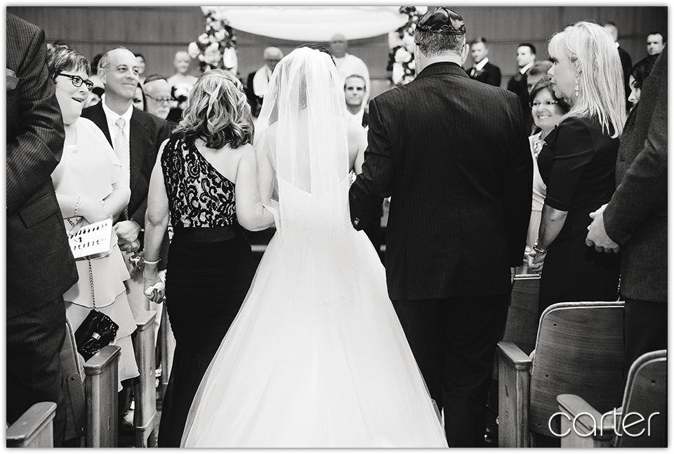 Kansas City Wedding Photographers - Carter Photography - Grand Street Cafe Plaza