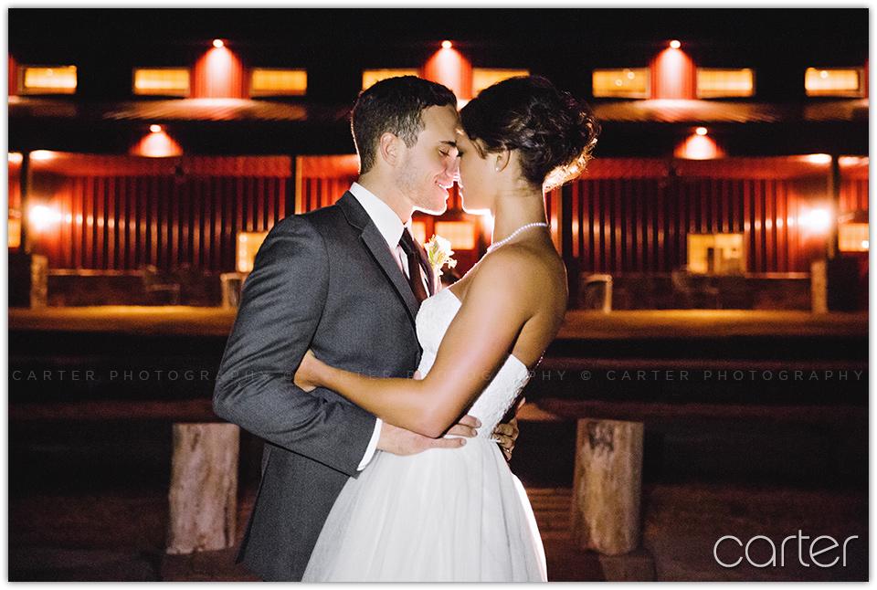 Iowa Wedding at Barn on the Ridge, Burlington - Carter Photography