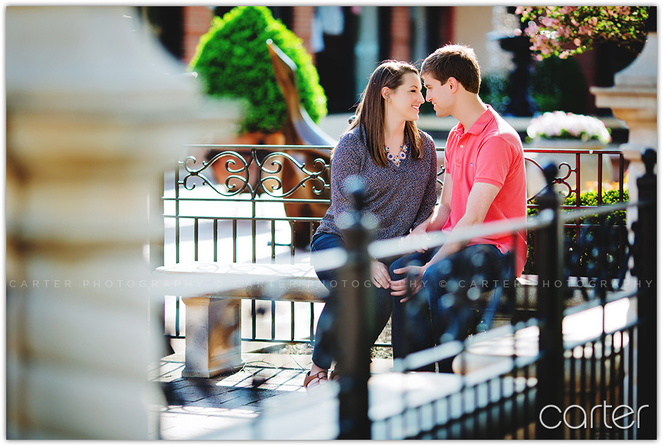 Carter Photography Kansas City Engagement Session Plaza Nelson Kauffman