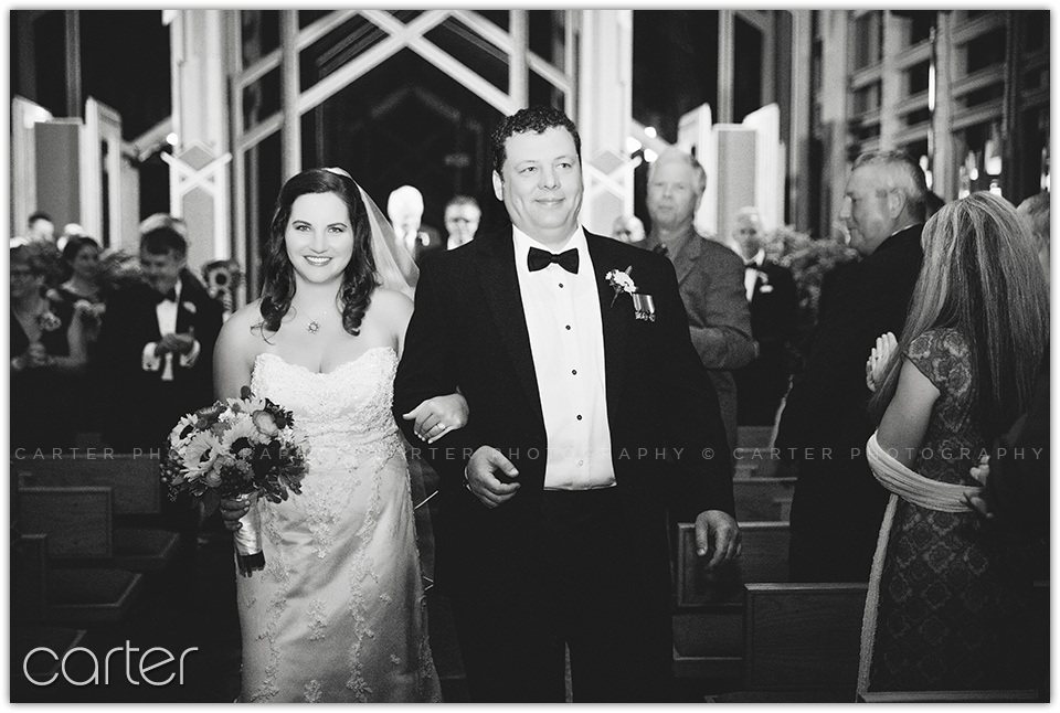 Eureka Springs Wedding Pictures - Carter Photography - Thorncrown Chapel