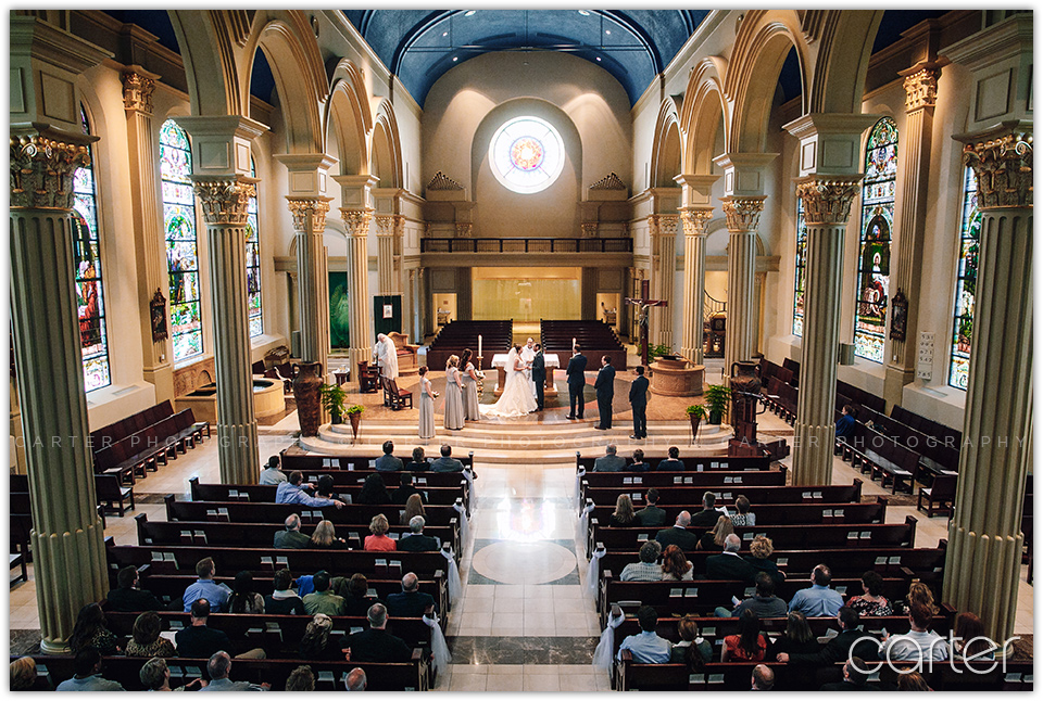 Wedding Pictures at Cathedral of the Immaculate Conception Kansas City - Carter Photography