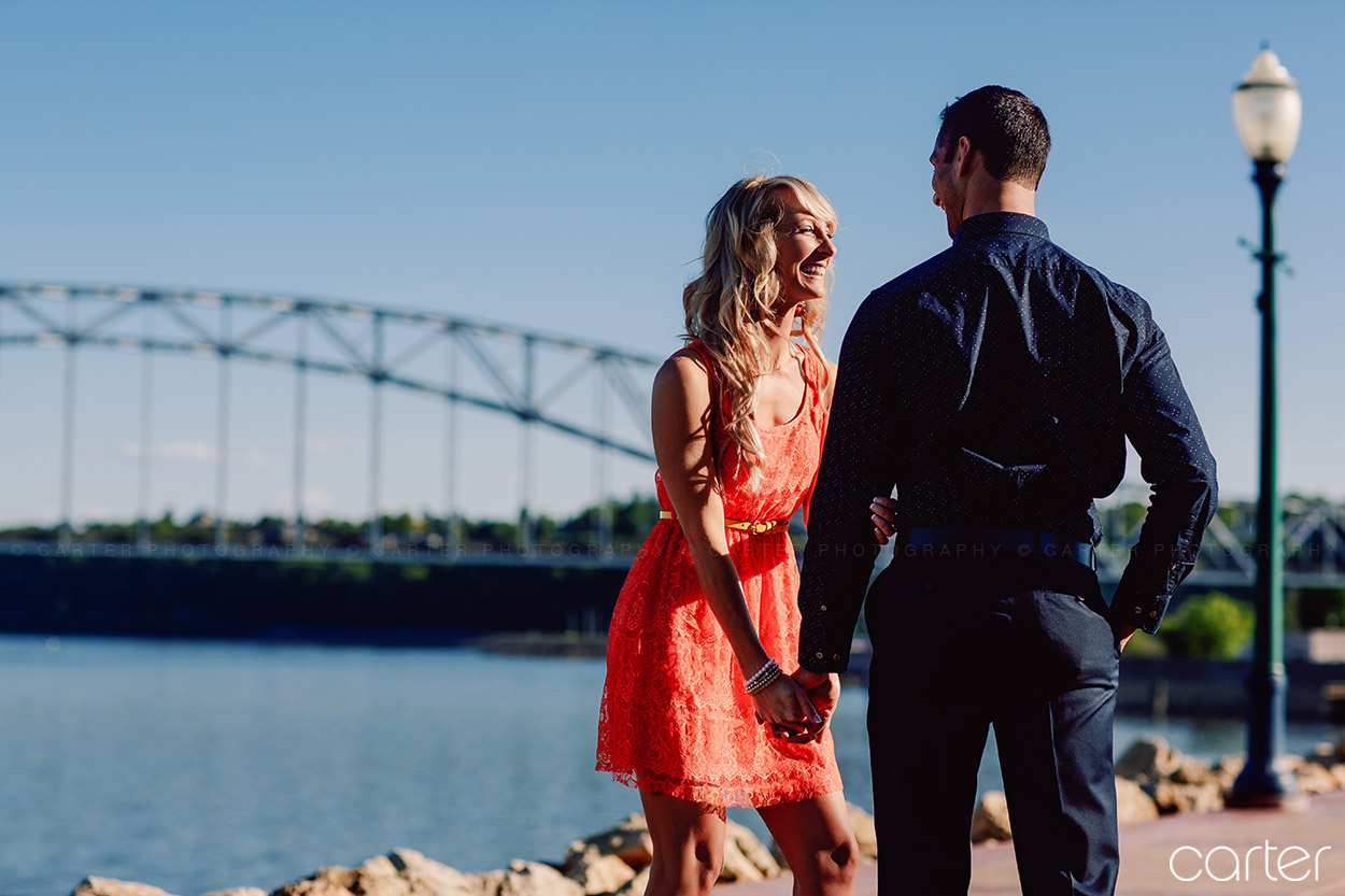Dubuque Iowa Riverwalk Engagement Pictures - Carter Photography
