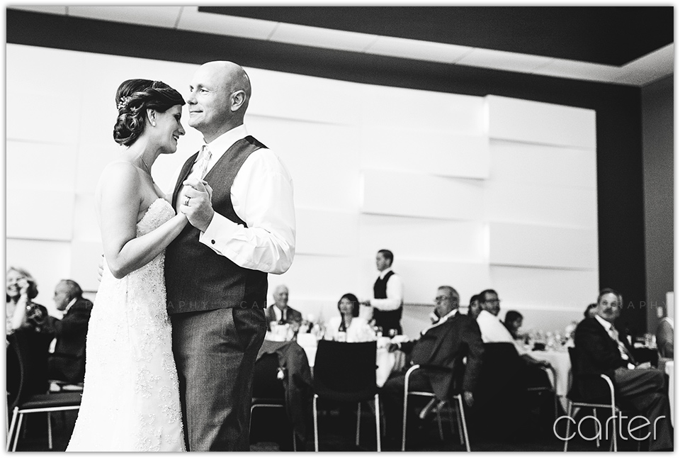 Cedar Rapids Iowa Wedding Photographers Paramount Theatre - Carter Photography