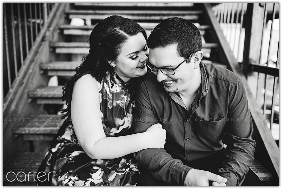 Des Moines Downtown Engagement Session Pictures - Carter Photography