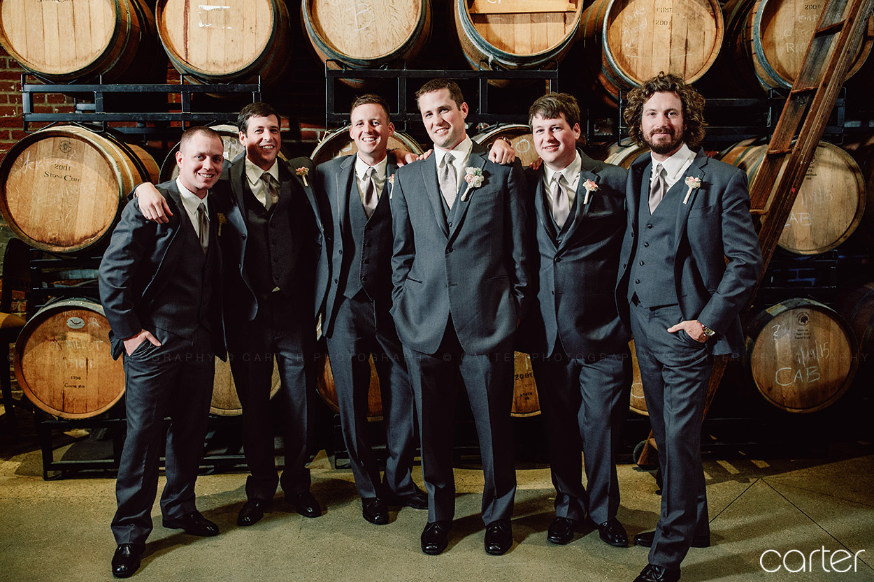 Stone Cliff Winery Wedding Pictures Dubuque Iowa Photographers - Carter Photography