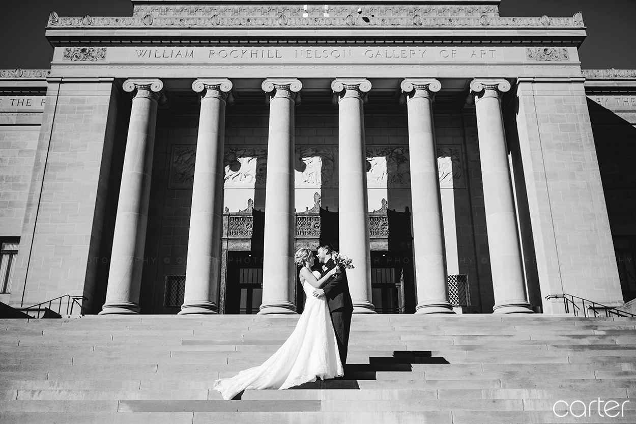 Nelson Atkins Art Museum Wedding Pictures Kansas City Photographers - Carter Photography