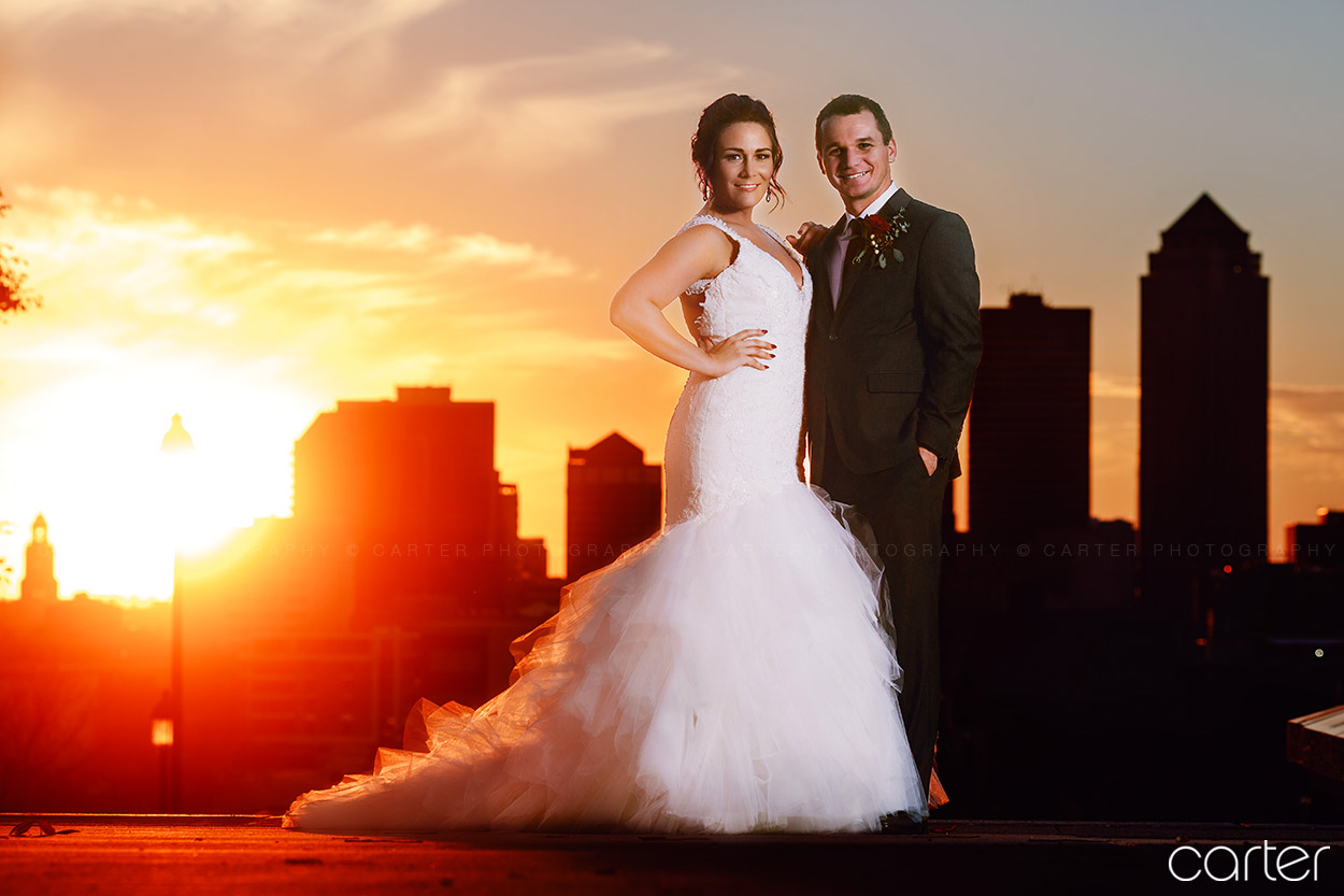 Des Moines Embassy Club Wedding Pictures Iowa Photographers - Carter Photography