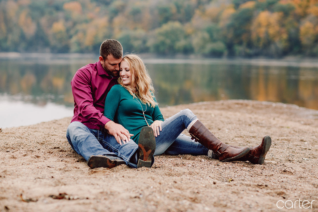 Palisades-Kepler Park Engagement Pictures Cedar Rapids Iowa Photographers - Carter Photography