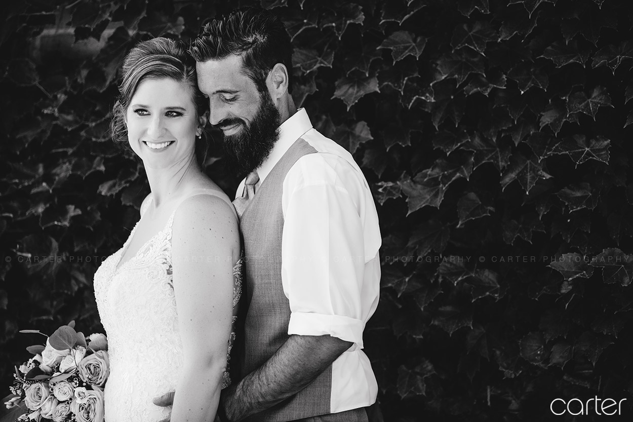 Regal Crown Wedding Pictures Cedar Rapids Iowa Photographers - Carter Photography