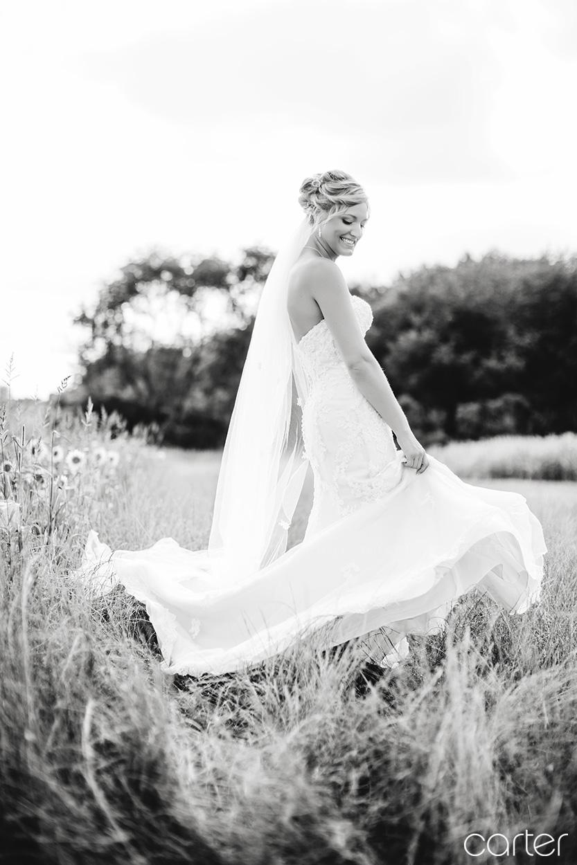 Ashton Hill Farm Wedding Pictures Cedar Rapids Iowa Photographers - Carter Photography