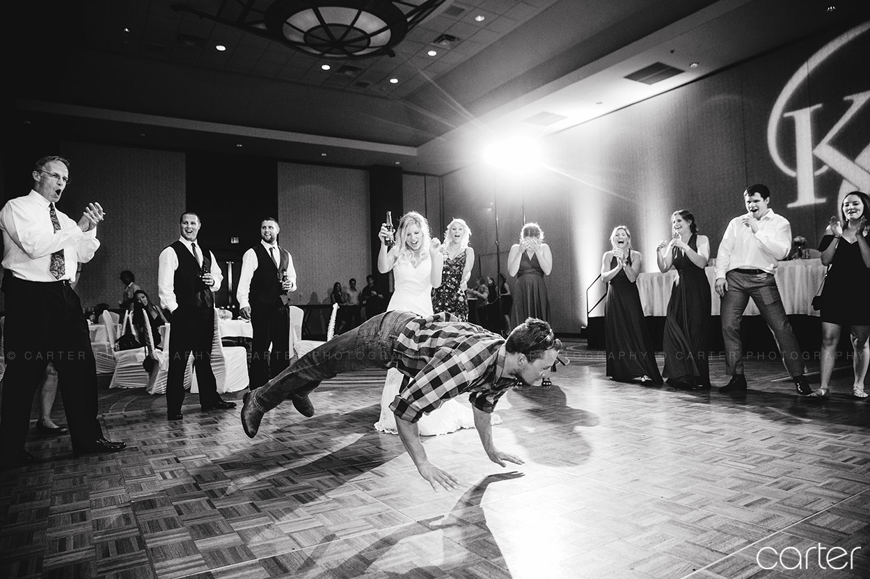 Coralville Marriott Wedding Pictures Iowa City Photographers - Carter Photography