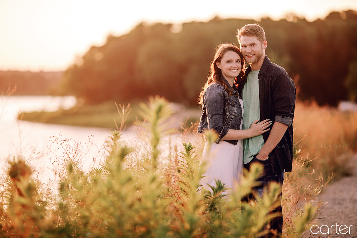 Iowa City Solon Lake MacBride Engagement Session Pictures - Carter Photography