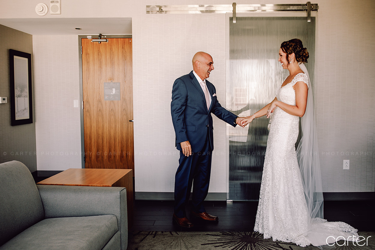 Cedar Rapids Wedding Photographers Eastbank Venue Pictures - Carter Photography