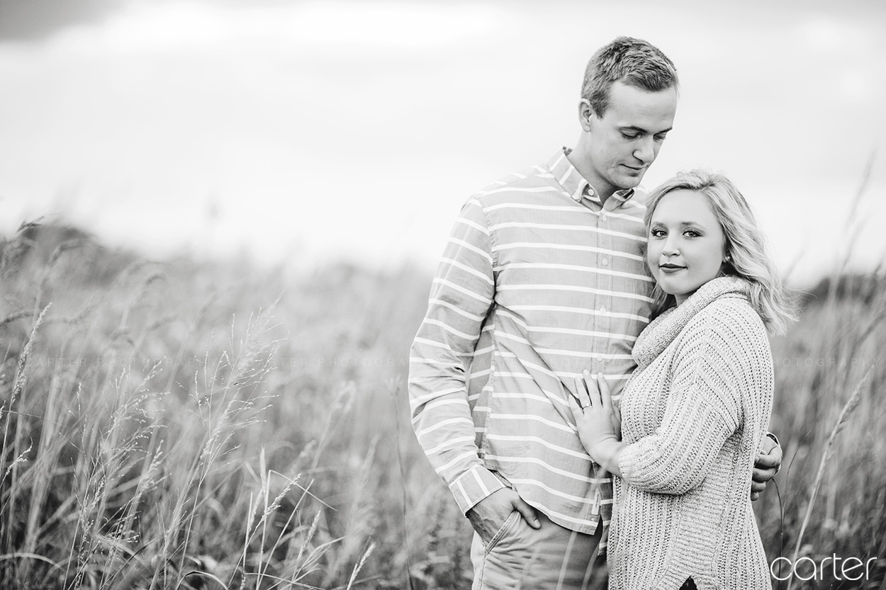 Iowa Country Farm Engagement Session Pictures Carter Photography