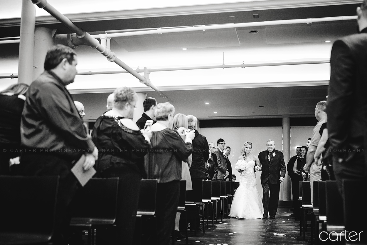 Eastbank Venue Wedding Pictures Cedar Rapids Photographers - Carter Photography