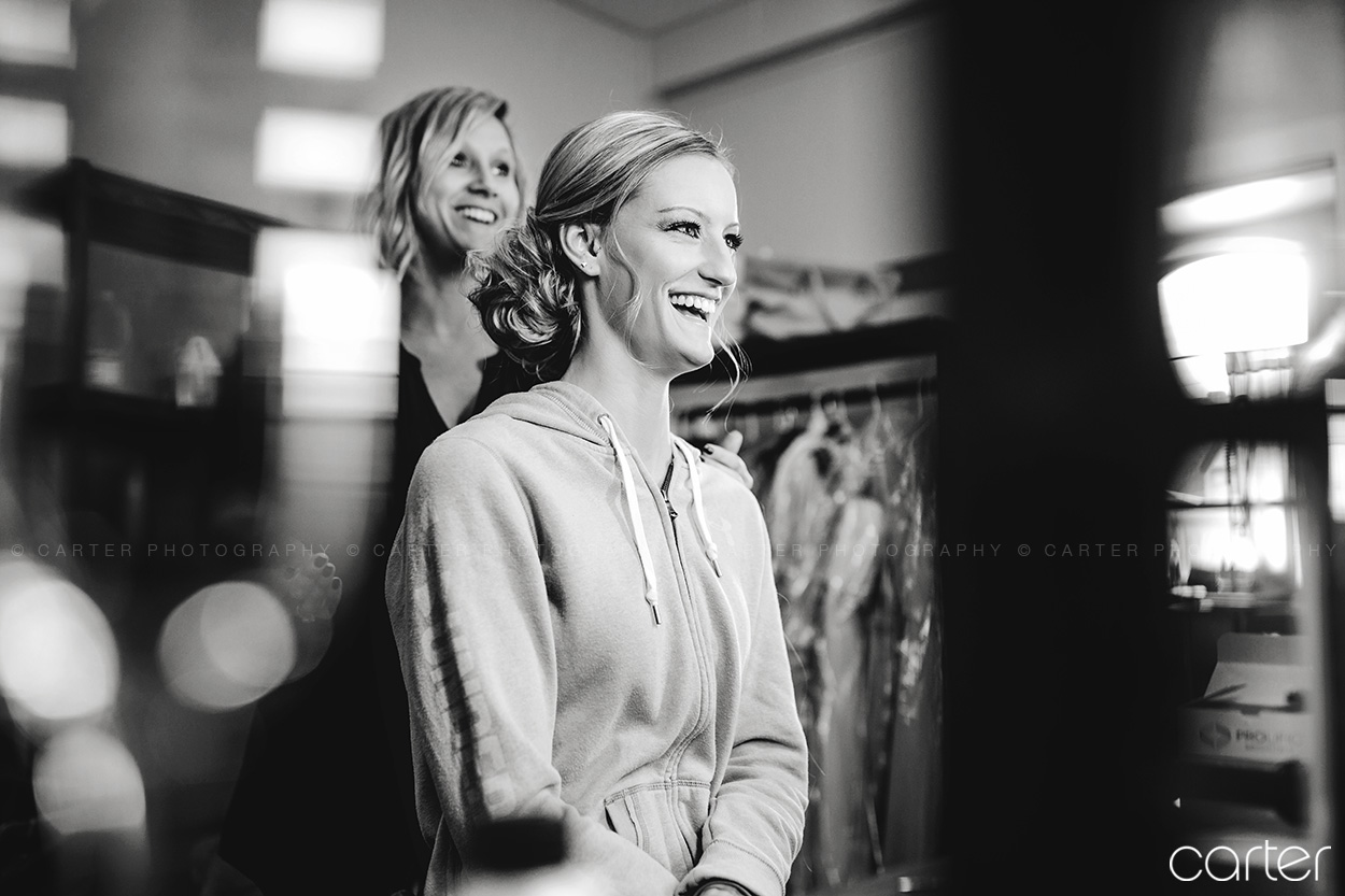 Wedding Bride Getting Ready Hair Pictures Old Brick Iowa City - Carter Photography