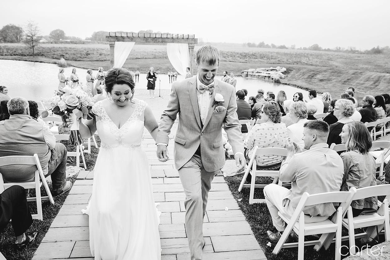 Candid Barn on the Ridge Wedding Ceremony Pictures Burlington Iowa Carter Photography