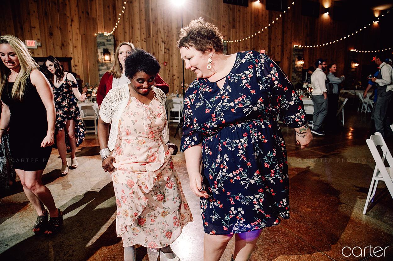 Barn on the Ridge Wedding Reception Dance Pictures Burlington Iowa Carter Photography