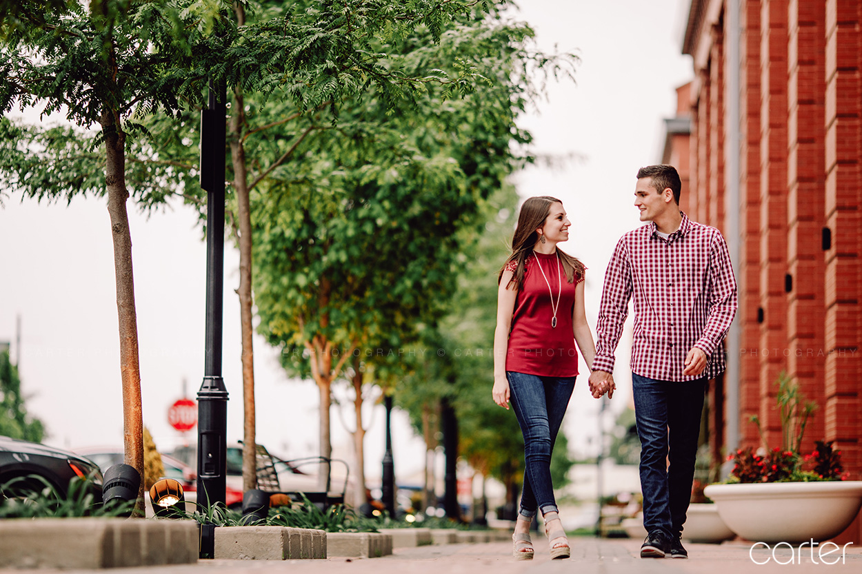 Coralville Iowa City Engagement Session Pictures Carter Photography