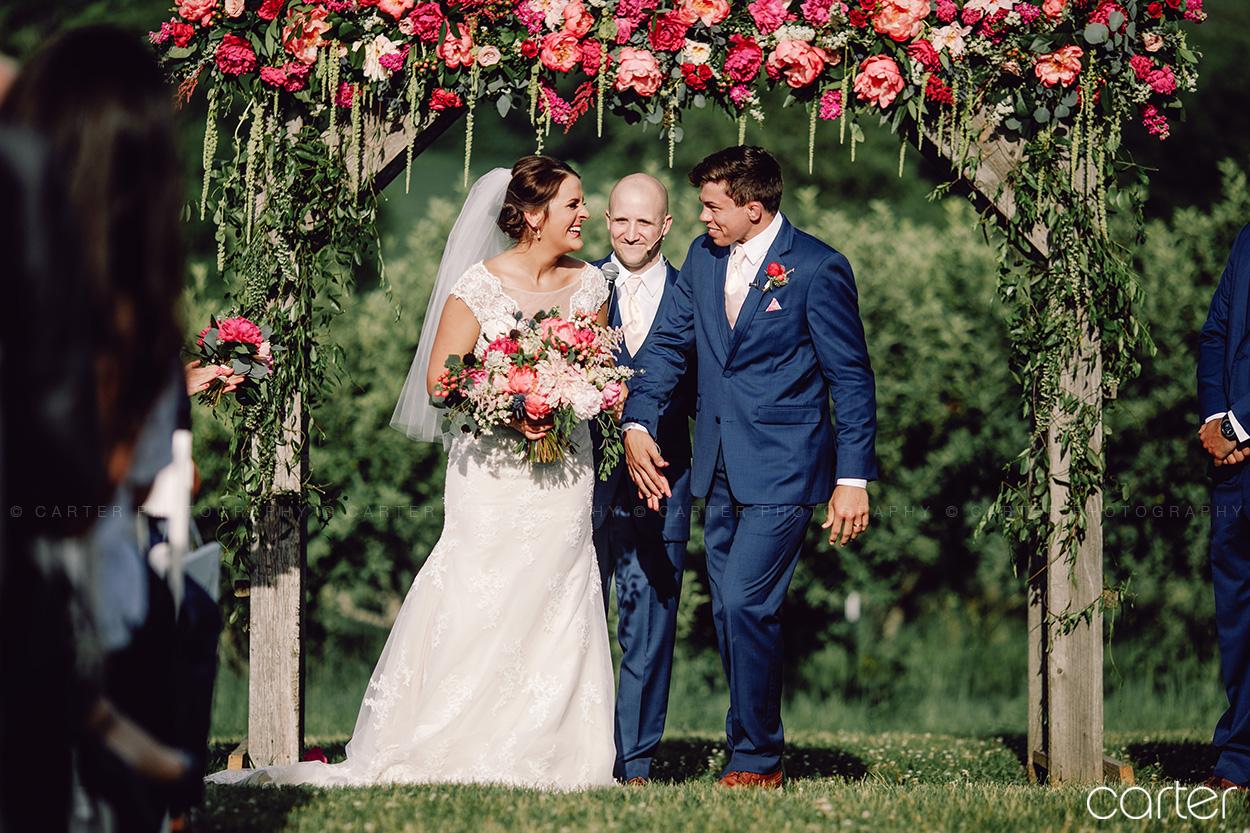 Weston Red Barn Farm Wedding Ceremony Kansas City Carter Photography