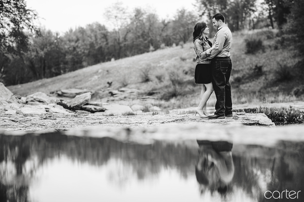 Devonian Fossil Gorge Engagement Session Pictures Iowa City Carter Photography