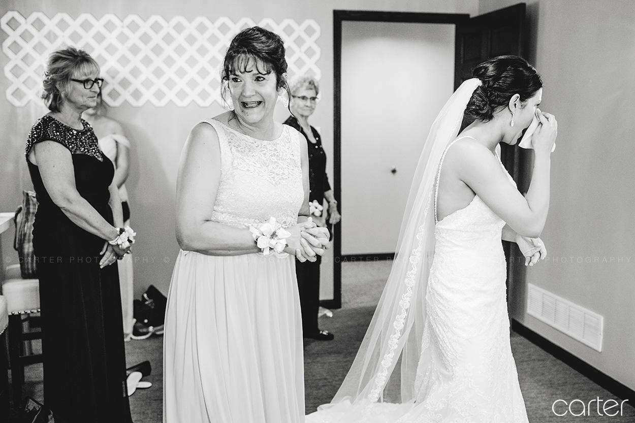 Bella Sala Wedding Pictures Iowa City Carter Photography