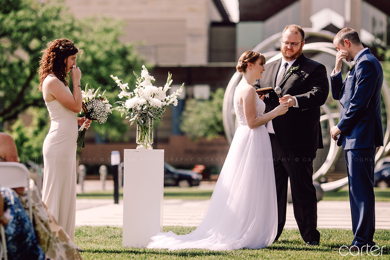 Greene Square Park Wedding Pictures Cedar Rapids Iowa Photographers Carter Photography