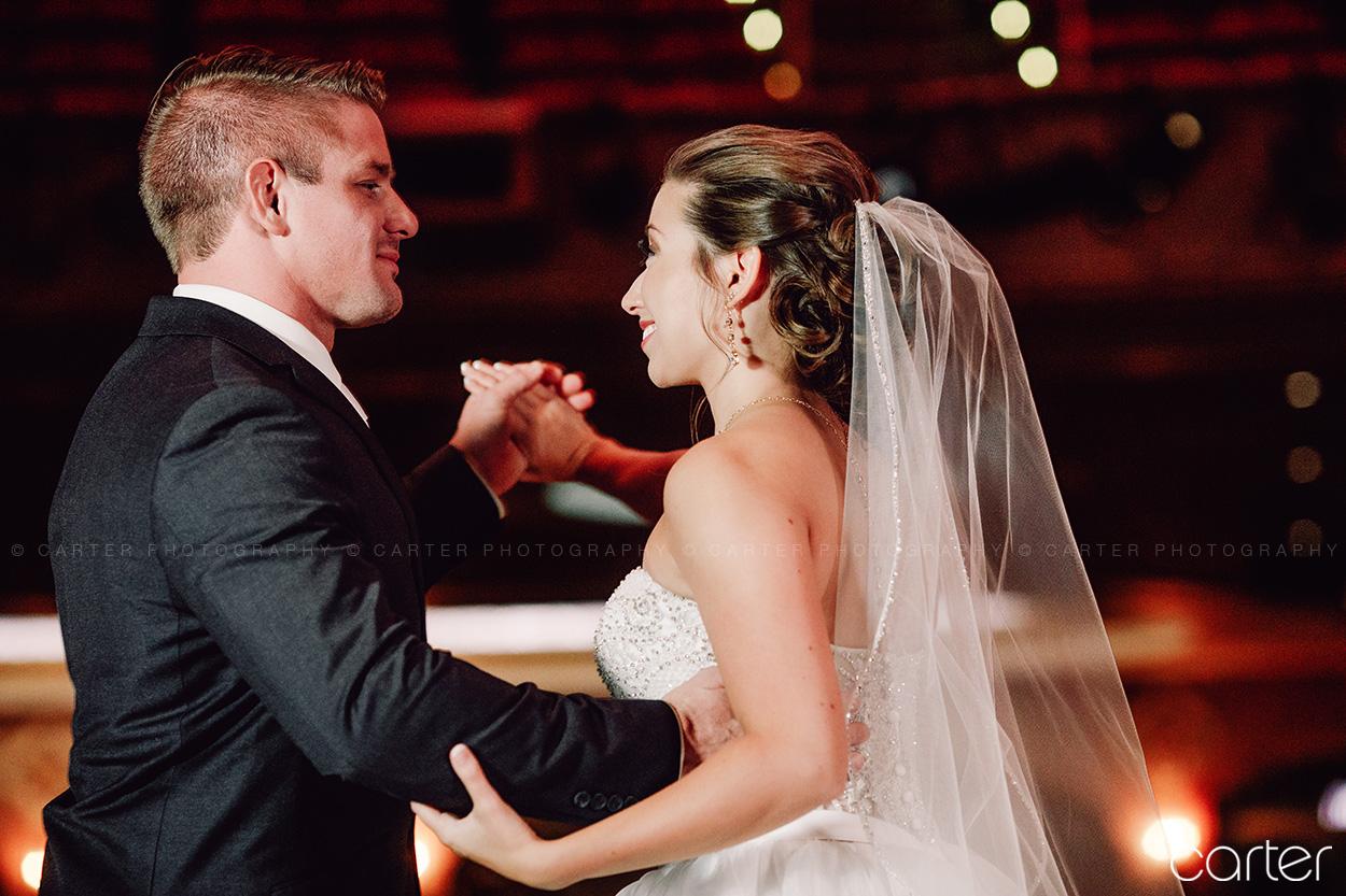 Paramount Theatre Wedding Pictures Cedar Rapids Photographers - Carter Photography