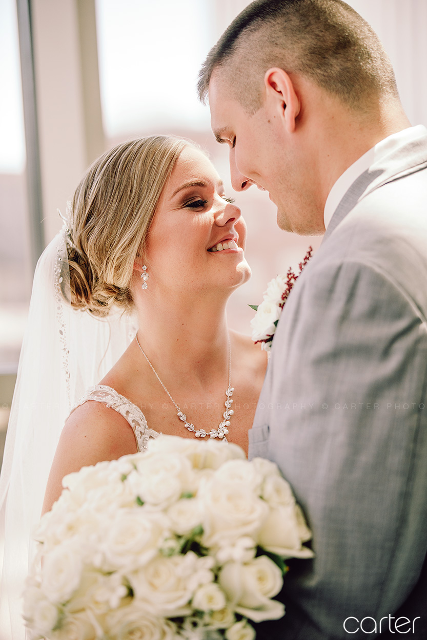 Cedar Rapids DoubleTree Wedding Pictures Iowa Photographers Carter Photography