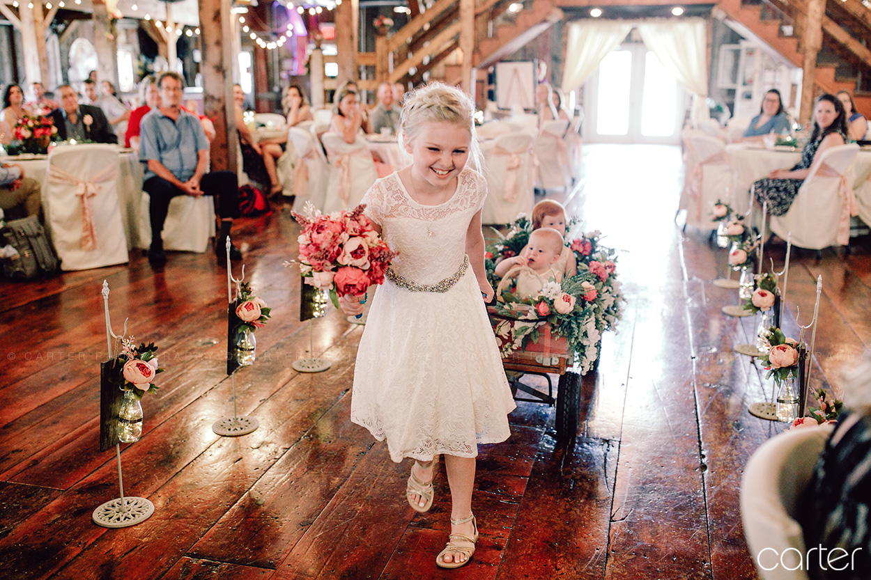 Bessie's Barn Wedding Pictures Iowa Photographers Carter Photography