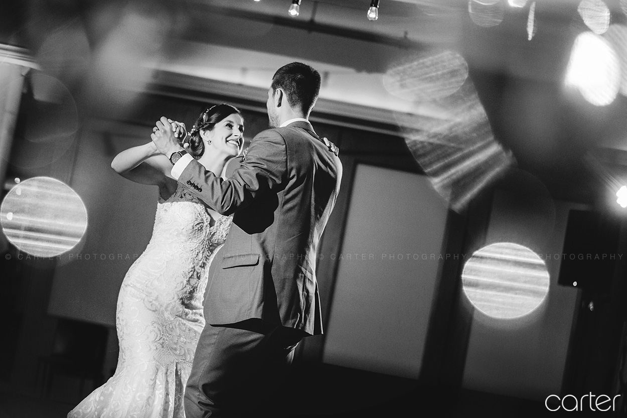 Eastbank Wedding Pictures Cedar Rapids Iowa Photographers - Carter Photography