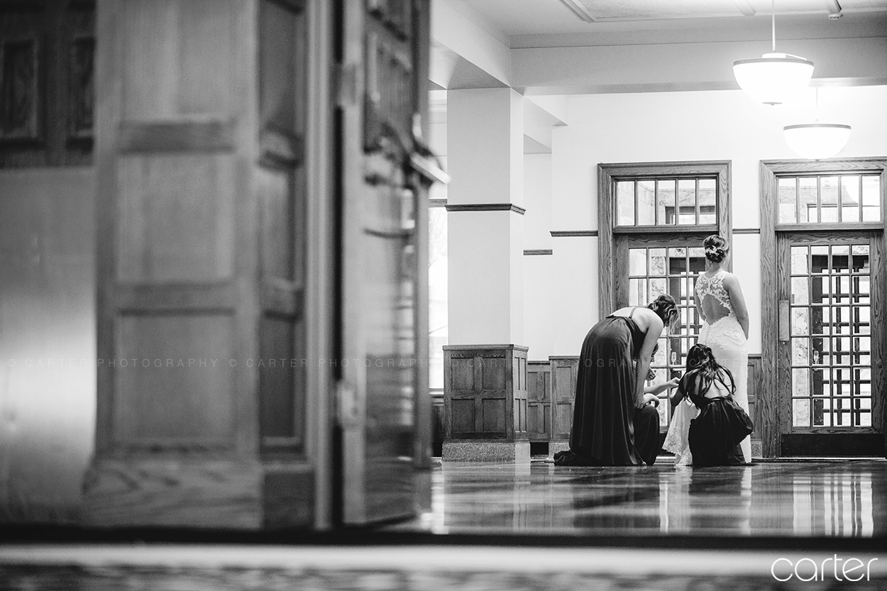 Iowa Memorial Union IMU Wedding Pictures Iowa City Photographers - Carter Photography
