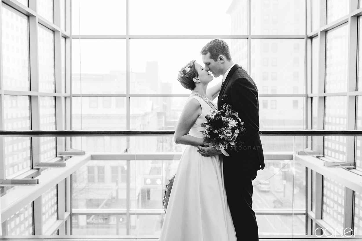 Eastbank Wedding Pictures Cedar Rapids Iowa Photographers - Carter Photography