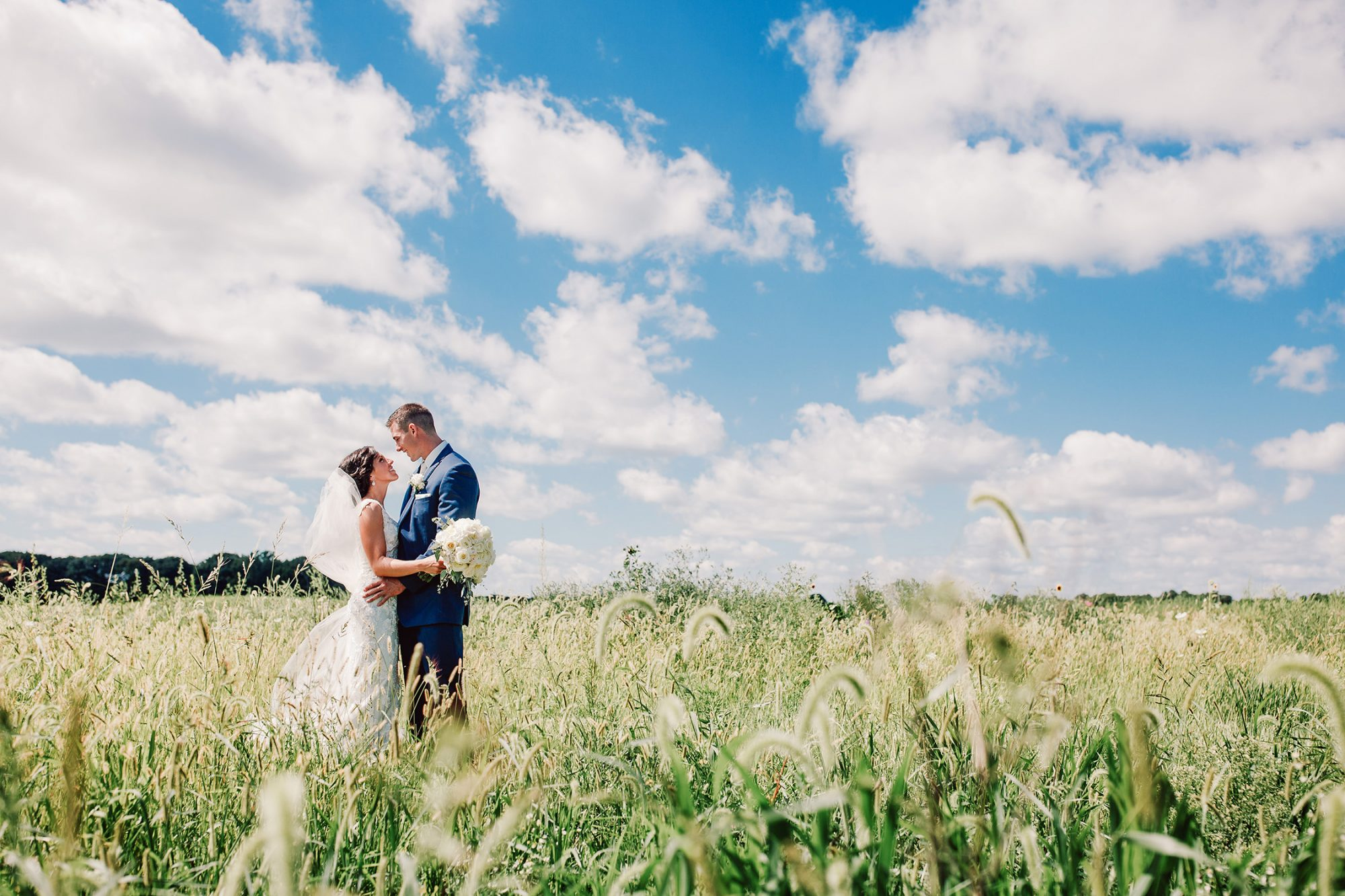 Carter Photography Wedding Pictures at Barn on the Ridge Burlington Iowa