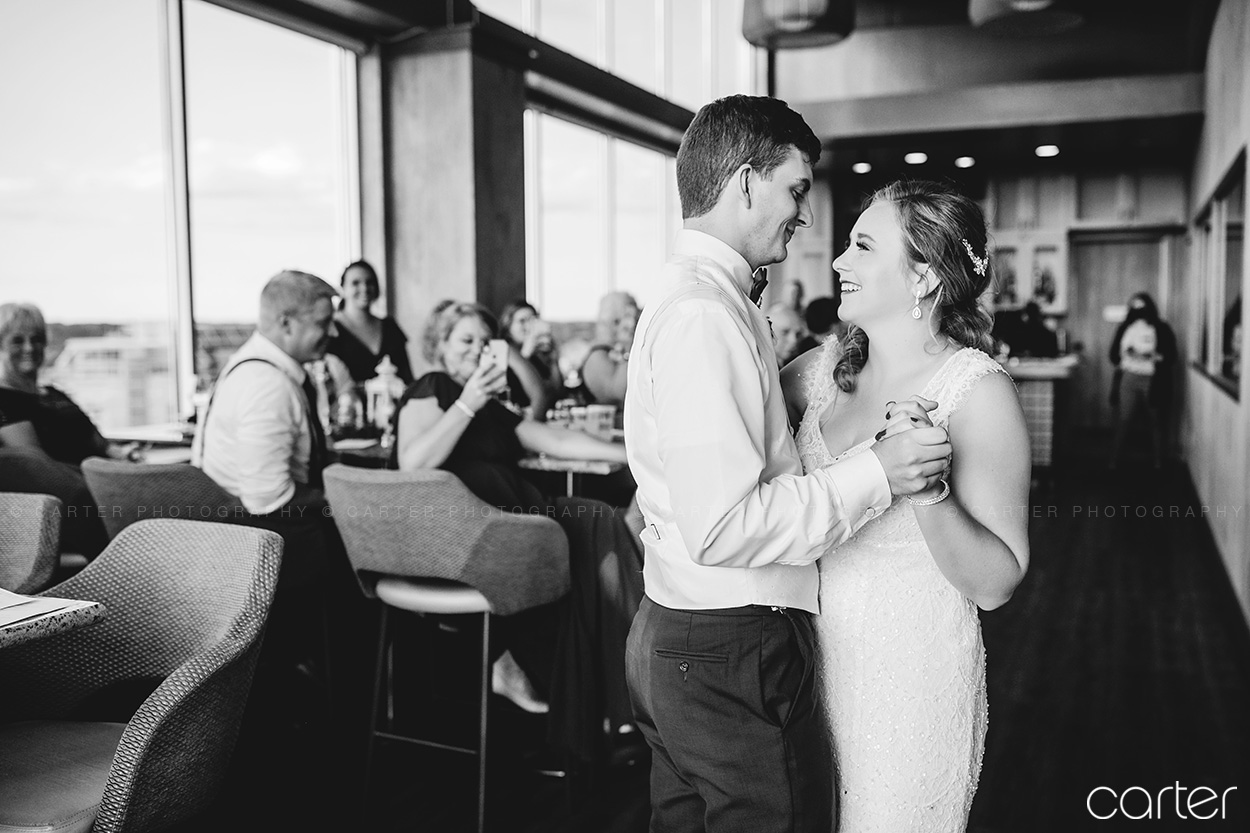 Hilton Garden Inn Wedding Pictures Iowa City Photographers Carter Photography