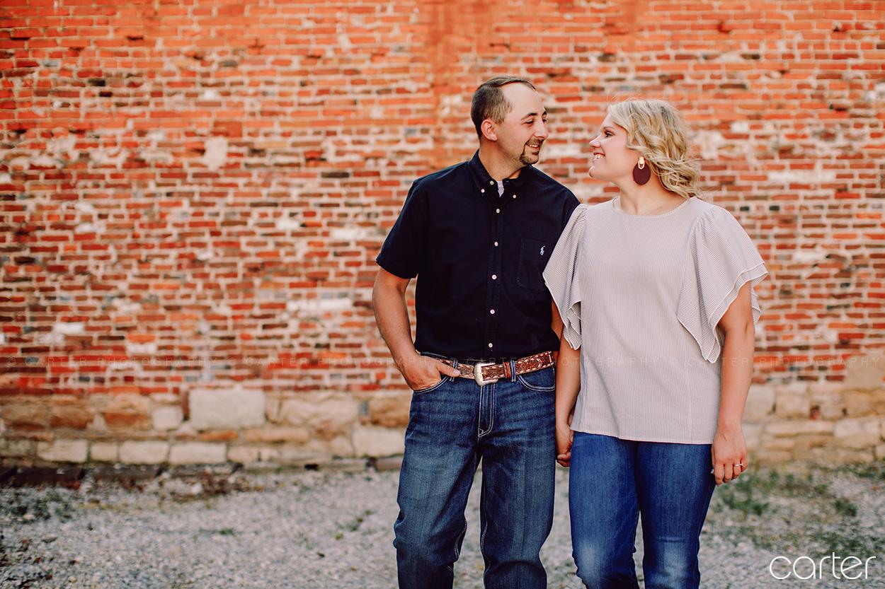 Burlington Iowa Engagement Pictures Photographers Carter Photography Cedar Rapids