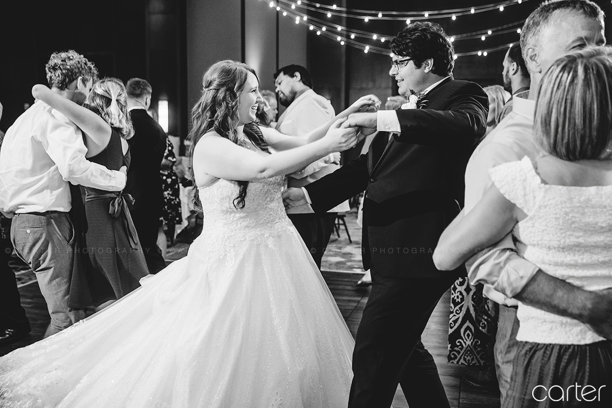 Coralville Marriott Wedding Pictures Iowa City Photographers Carter Photography