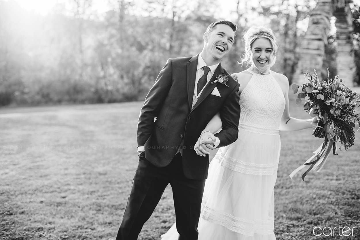Celebration Farm Wedding Pictures Cedar Rapids Iowa City Photographers - Carter Photography