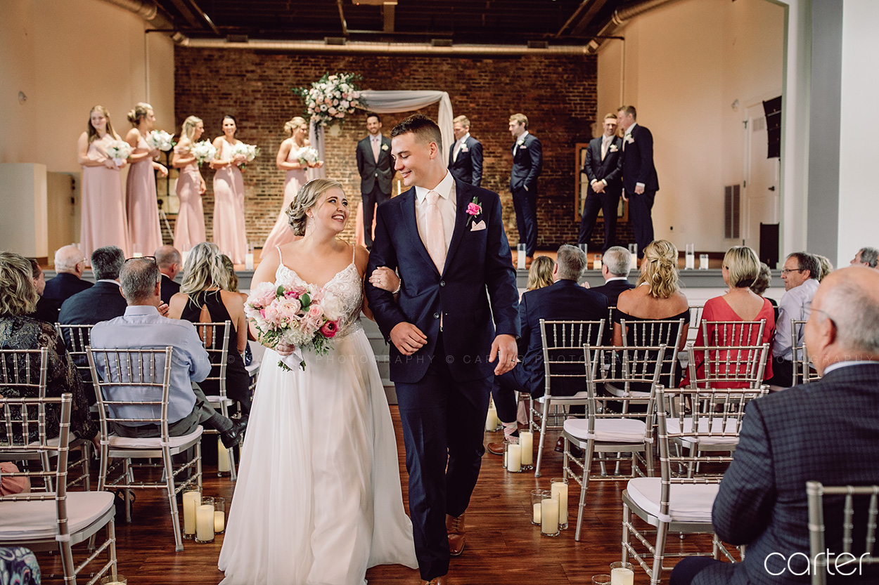 Olympic South Side Theater Wedding Pictures Cedar Rapids Iowa Photographers Carter Photography